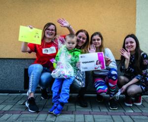 Dzieci z biednych rodzin dostały prezenty na Dzień Dziecka